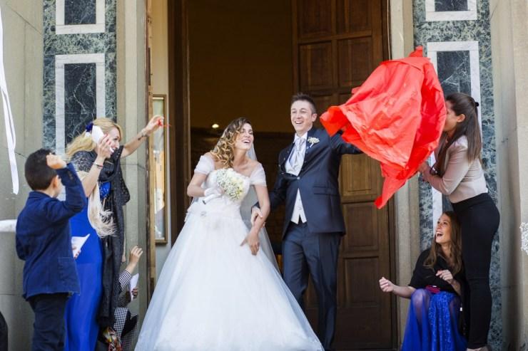 fotografo-matrimonio-bologna-e-provincia-fotografo-nozze-reportage-foto-non-in-posa-foto-spontenee-wedding-cinema-bologna-mare-di-foto- (48)