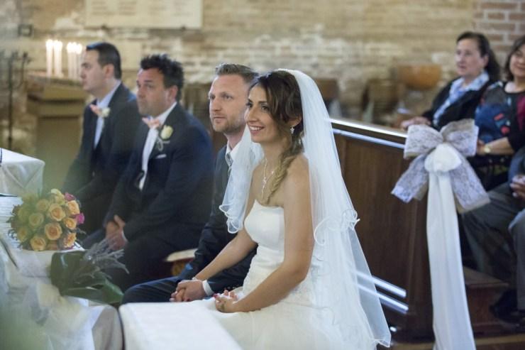 fotografo-nozze bologna-preventivo-servizio-fotografico-spsosarsi-in-emilia-romagna-fotografo-matrimonio-pianoro-mare-di-foto-foto-non-in-posa (41)